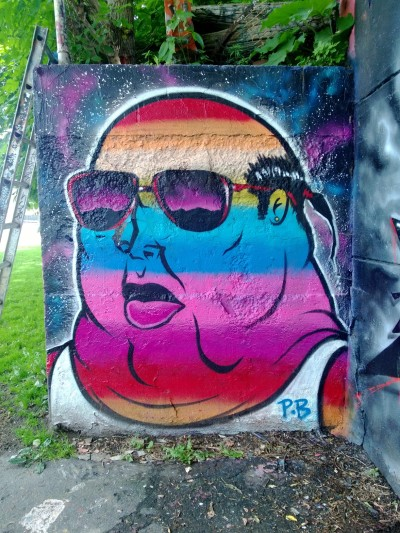 Ottawa graffiti man in sunglasses